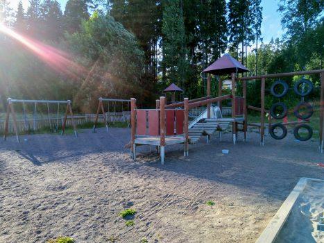 Heikkiläntien leikkipuisto